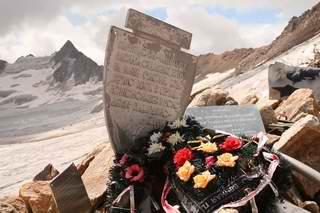 Памятник советским воинам на перевале Хотю-тау (Хотютау)